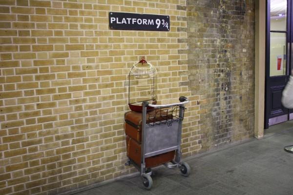 Harry-Potter-Platform-9-3-4-kings-cross-600x400