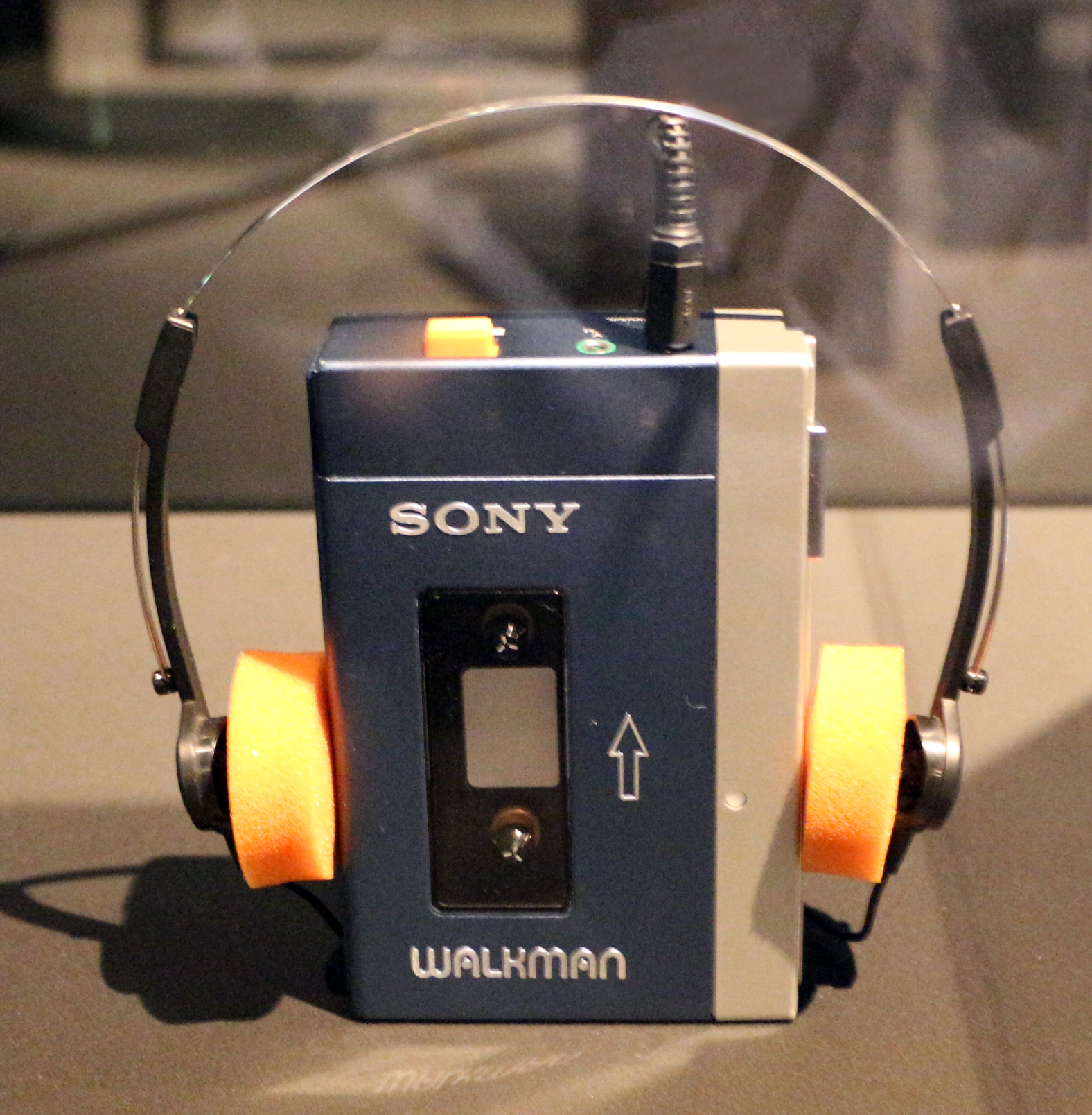 Sony,_walkman,_1979